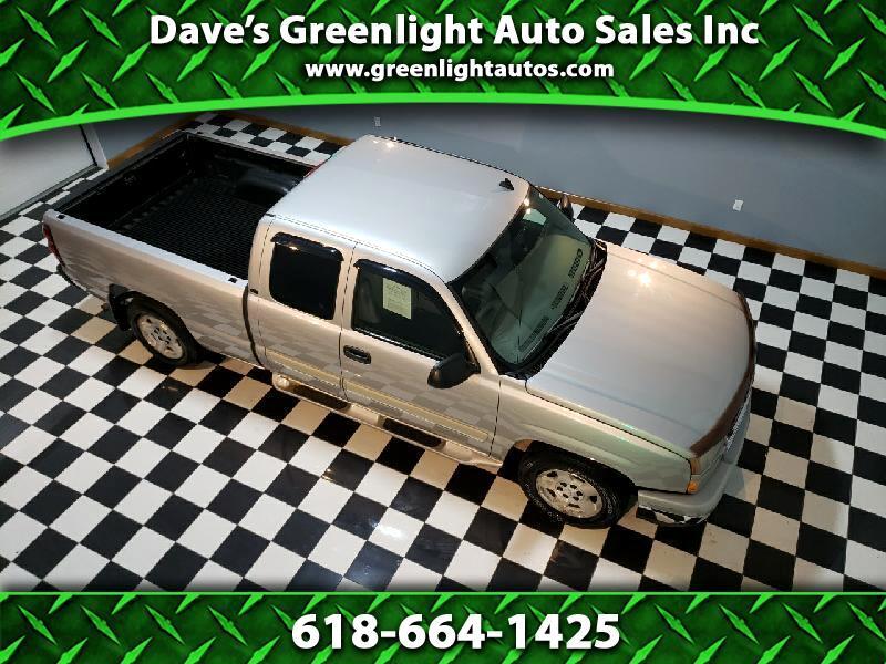 Chevrolet Silverado 1500 Work Truck Ext. Cab Long Bed 2WD 2006