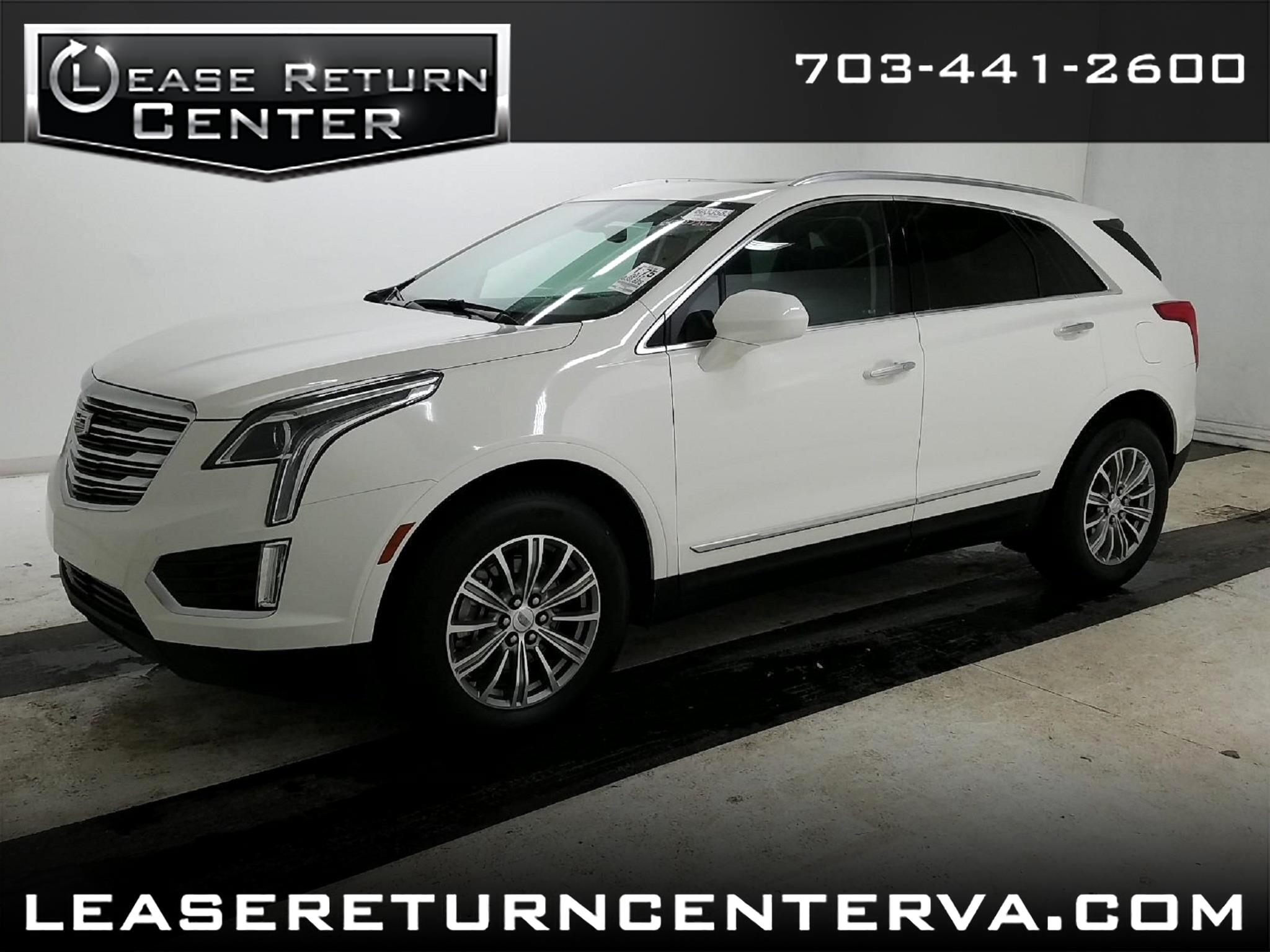 2017 Cadillac XT5 Luxury with Navigation and Pano Roof