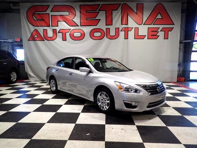 2013 Nissan Altima S AUTO 2.5L SEDAN LOW MILES ONLY 68K LOADED!