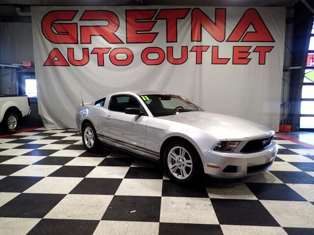 2011 Ford Mustang AUTO 3.7L V6 COUPE LOW MILES! LESS THAN 52K!