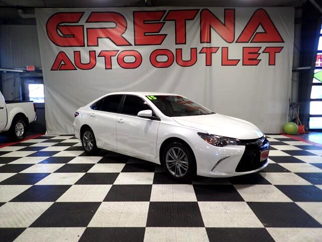 2015 Toyota Camry SE 2.5L AUTO SEDAN LOW MILES ONLY 32K! LOADED!