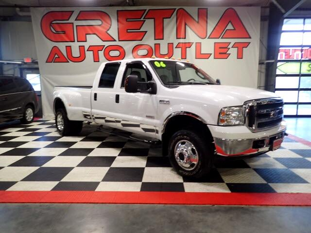 "2006 Ford F-350 SD Crew Cab 156"" Lariat 4WD Diesel"