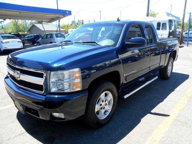 """2007 Chevrolet Silverado 1500 4WD Crew Cab 147"""" LTZ"""