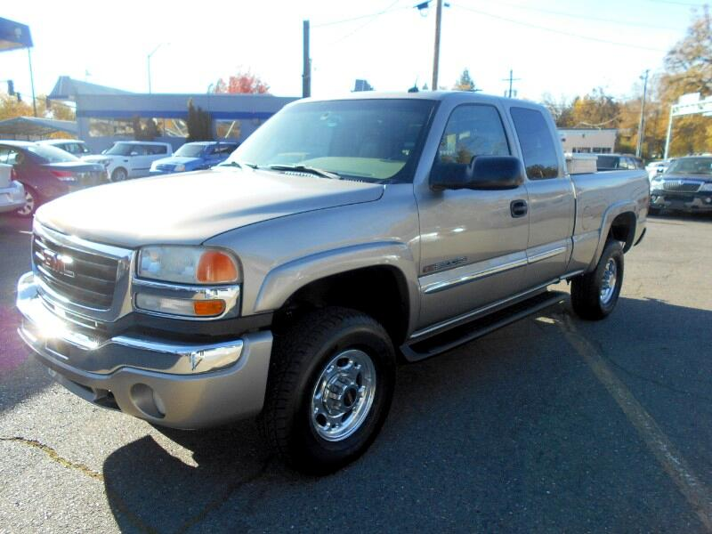 GMC Sierra 2500HD Ext. Cab Short Bed 4WD 2003