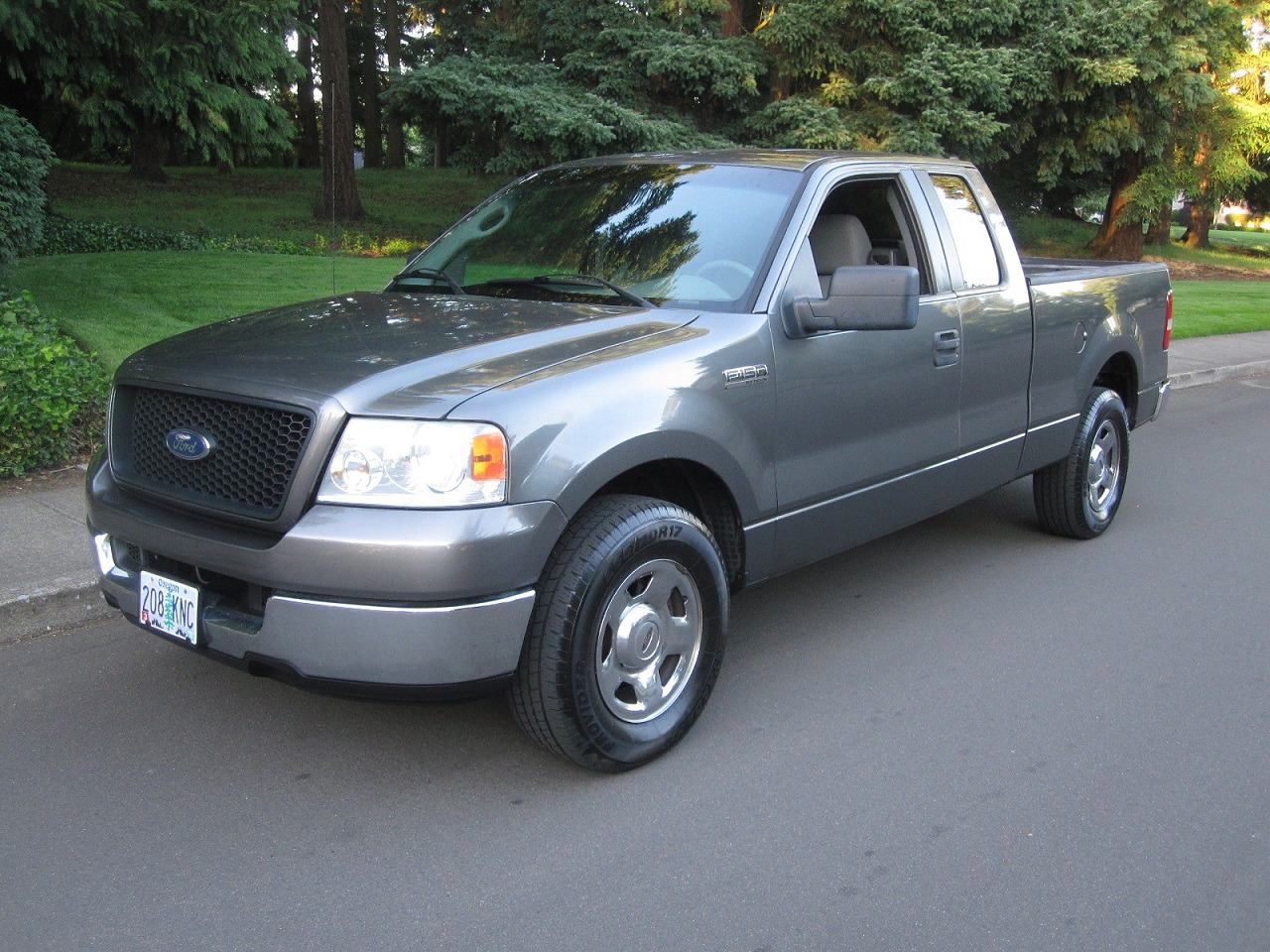 2005 Ford F-150 XLT SuperCab Long Bed 2WD