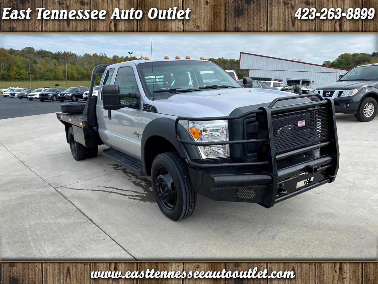 "Ford Super Duty F-550 DRW 2WD SuperCab 162"" WB 60"" CA XL 2012"