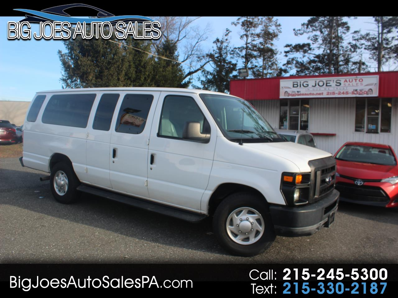 Ford Econoline Wagon E-350 Super Duty Ext XL 2011