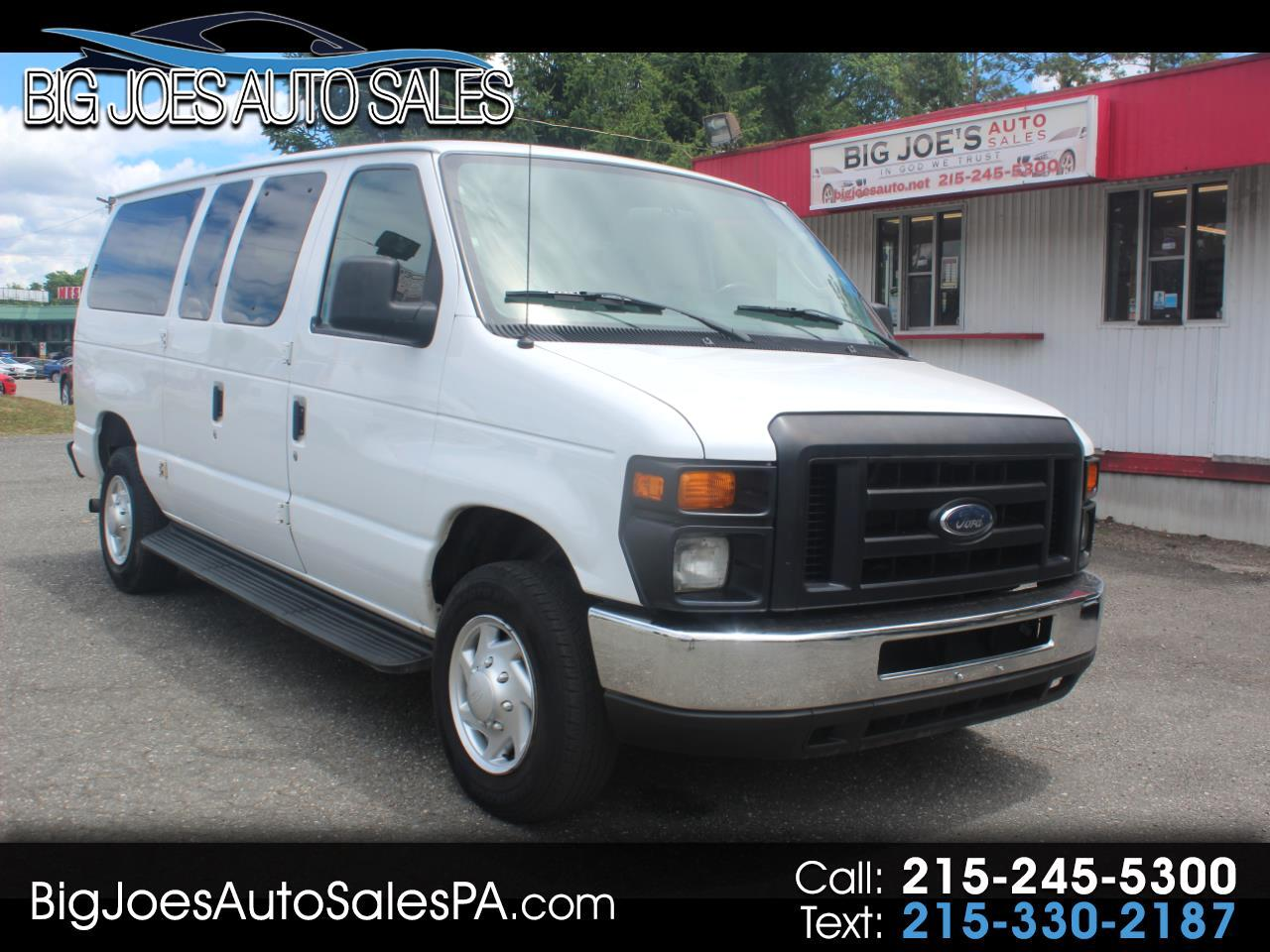Ford Econoline Wagon E-350 Super Duty XL 2011
