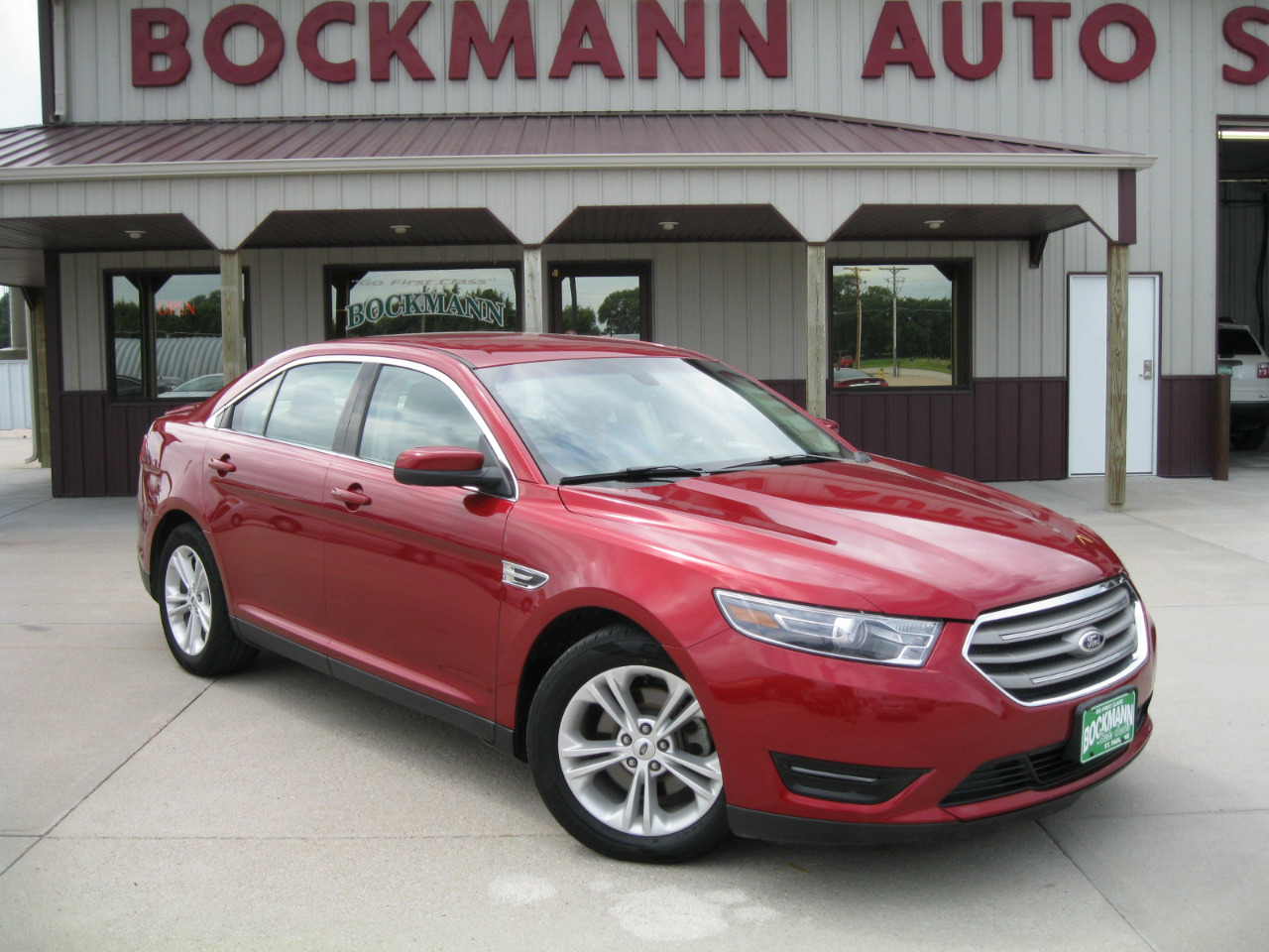 Ford Taurus 4dr Sdn SEL AWD 2015