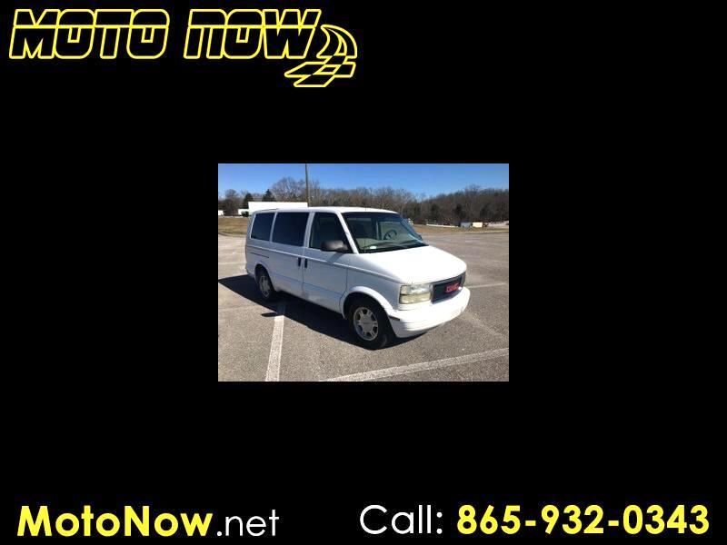 GMC Safari Passenger Van 2005