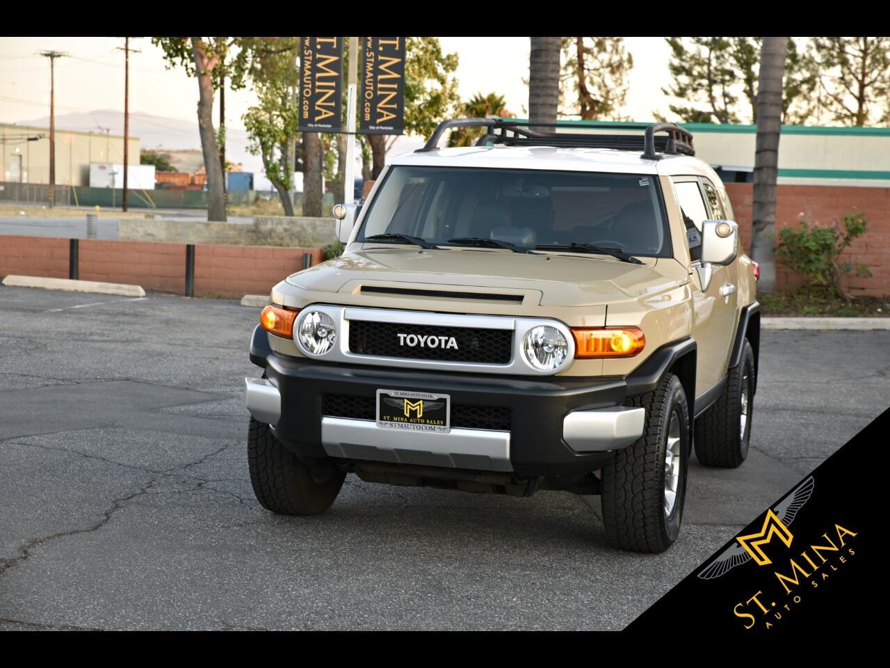 2013 Toyota FJ Cruiser 2WD
