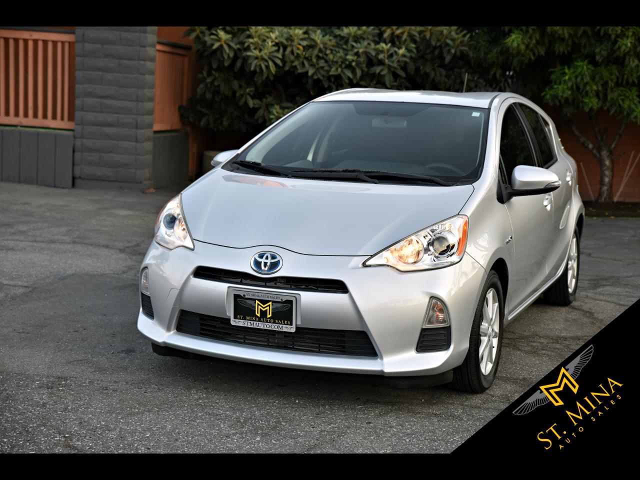 Toyota Prius c Three 2013