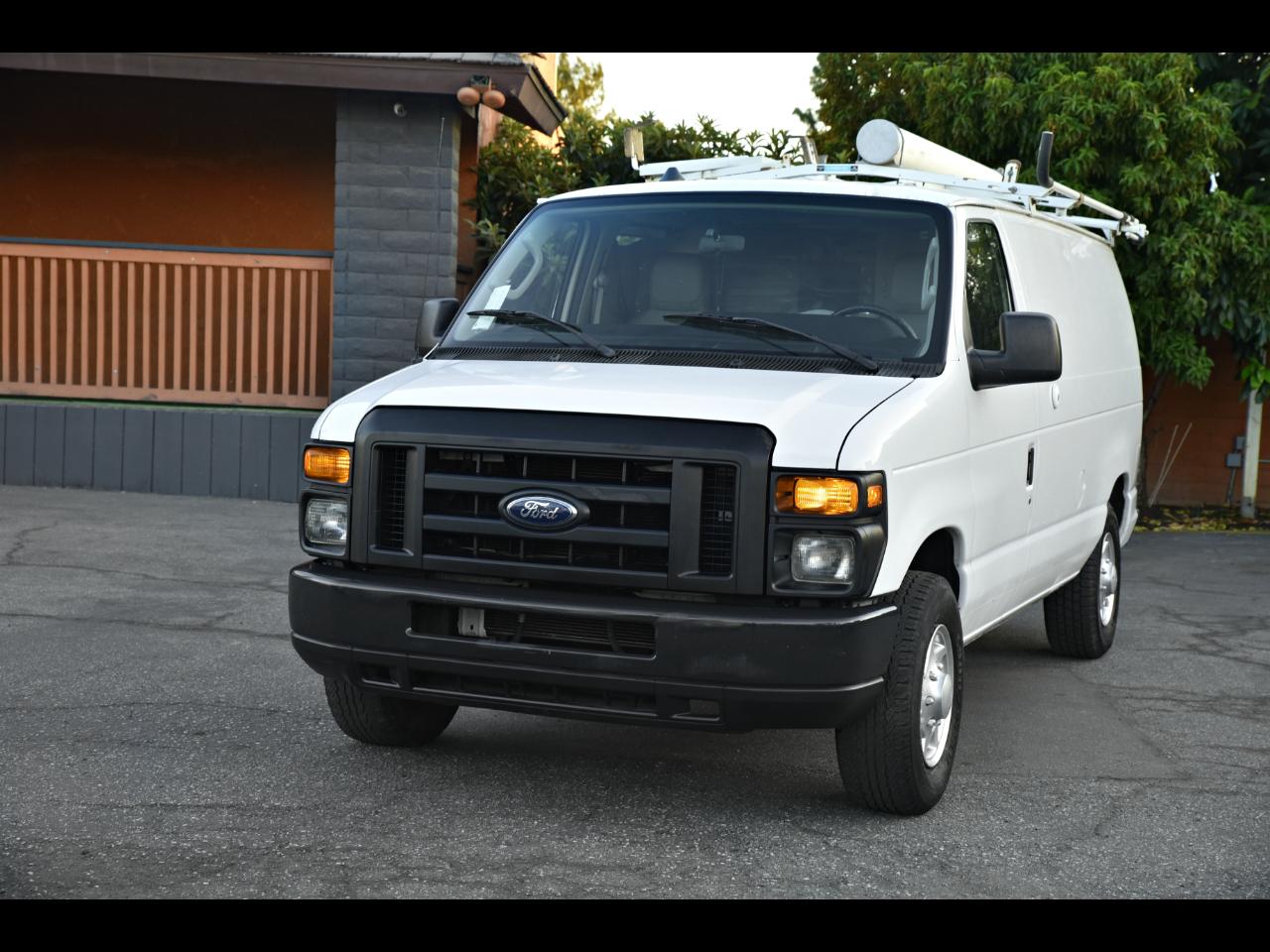 Ford Econoline E-250 2010