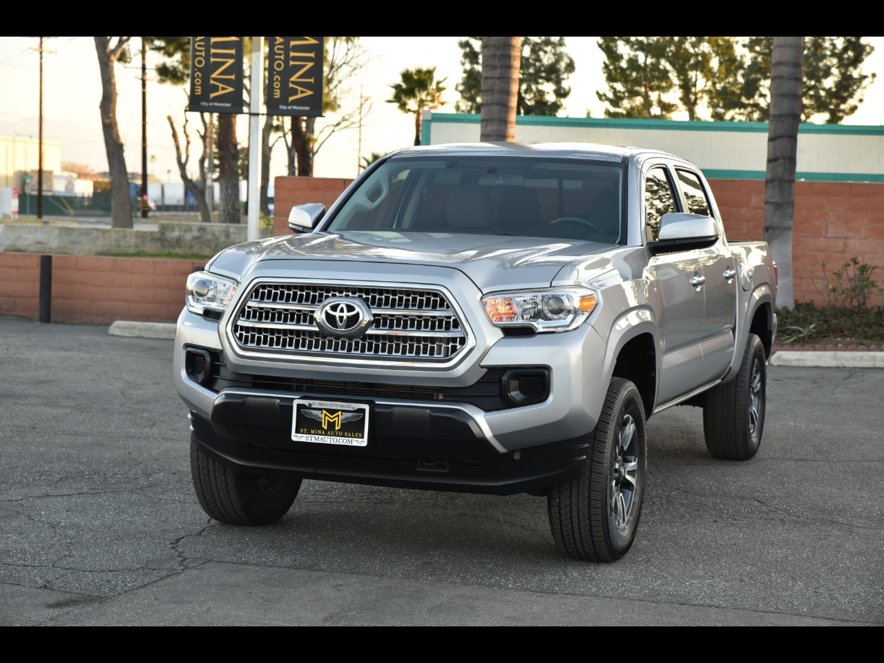 Toyota Tacoma SR Double Cab 5' Bed I4 4x2 AT (Natl) 2016