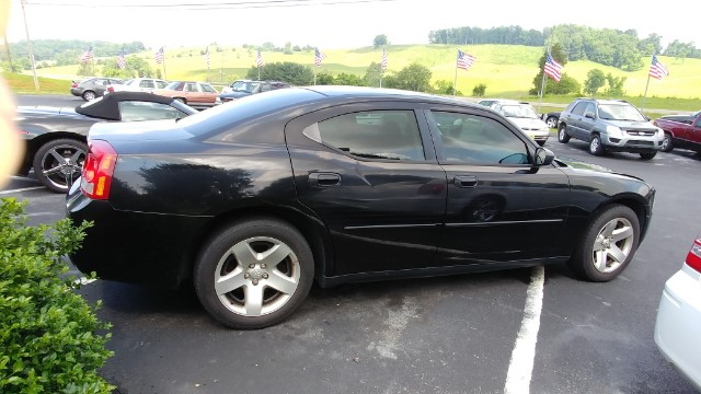 Dodge Charger 4dr Sdn 5-Spd Auto Police RWD 2010