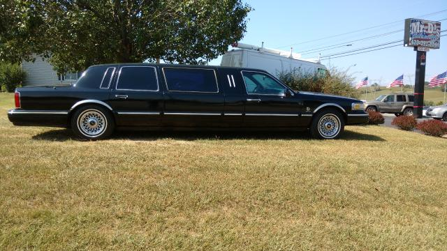 1995 Lincoln Town Car Limousine