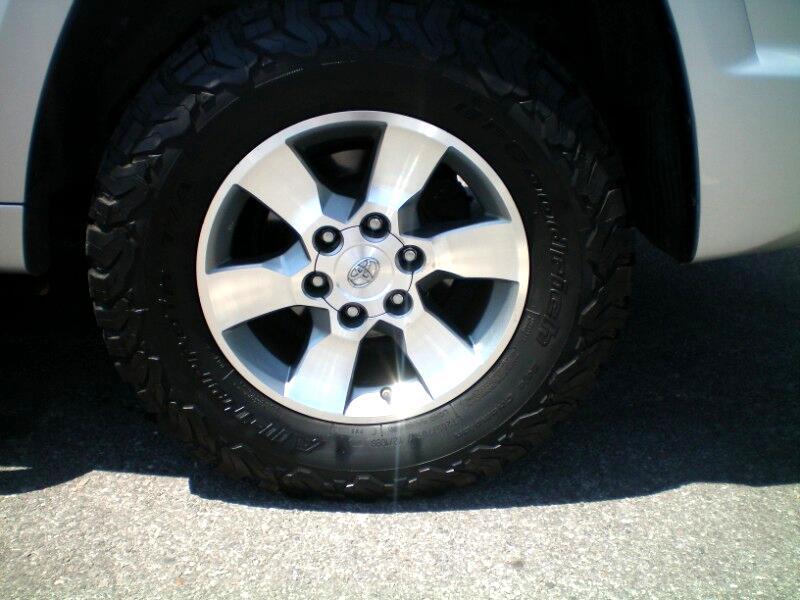 Toyota 4Runner SR5 4WD 2013