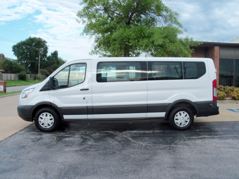 """2015 Ford Transit Wagon T-350 148"""" Low Roof XLT Swing-Out RH Dr"""