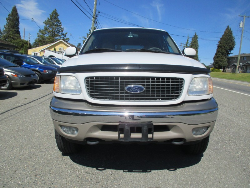 2000 Ford Expedition Eddie Bauer  8 Passenger 4WD (Low KM)