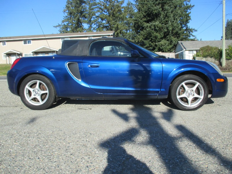 2002 Toyota MR2 Spyder 2Dr Convertible Manual
