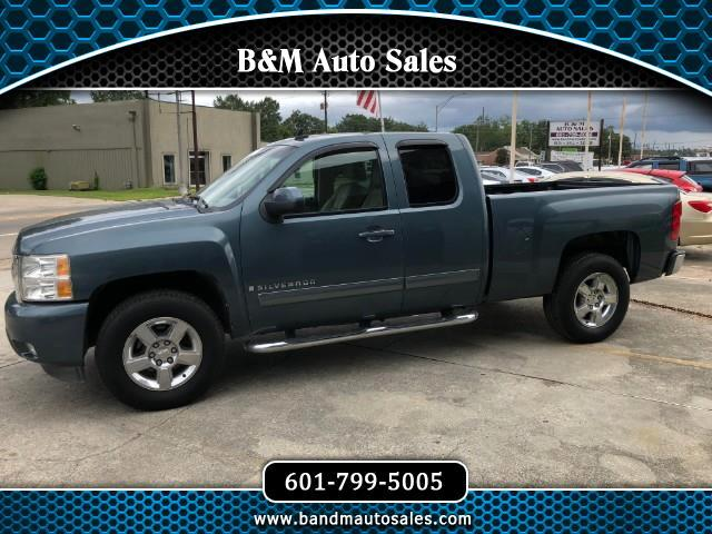 2009 Chevrolet Silverado 1500 LTZ Ext. Cab Short Box 2WD