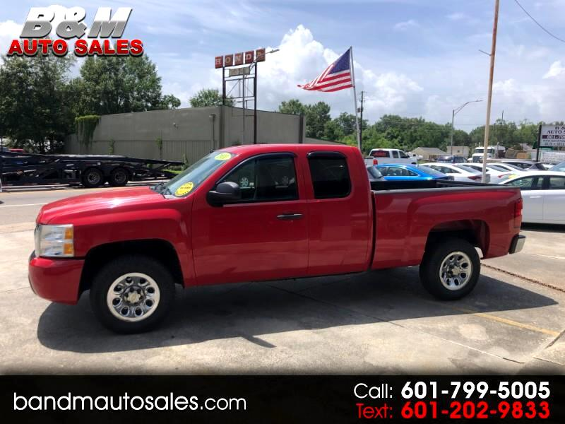 2011 Chevrolet Silverado 1500 Ext. Cab 4-Door Short Bed 2WD