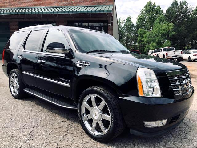 Cadillac Escalade 2WD Luxury 2011
