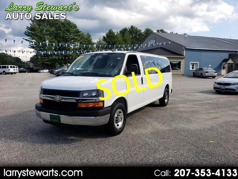 "2016 Chevrolet Express Passenger RWD 3500 155"" LT w/1LT 15 Passanger"