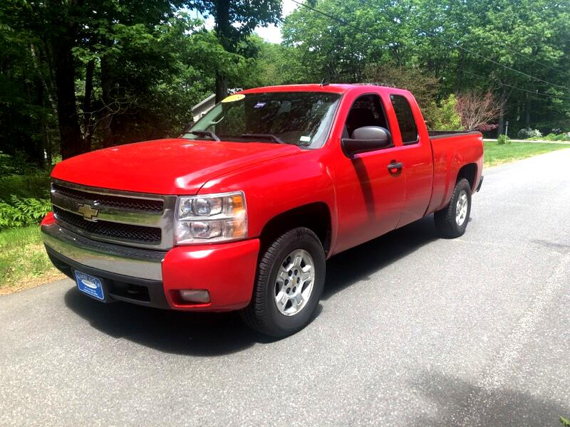 2008 Chevrolet Silverado 1500 Ext. Cab 4-Door Short Bed 4WD