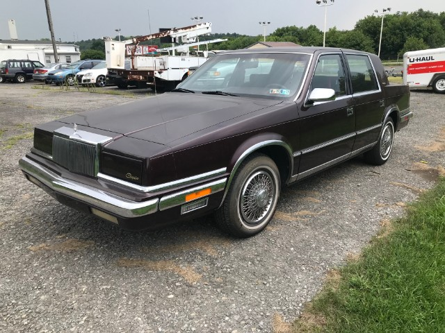 Chrysler New Yorker Base 1988