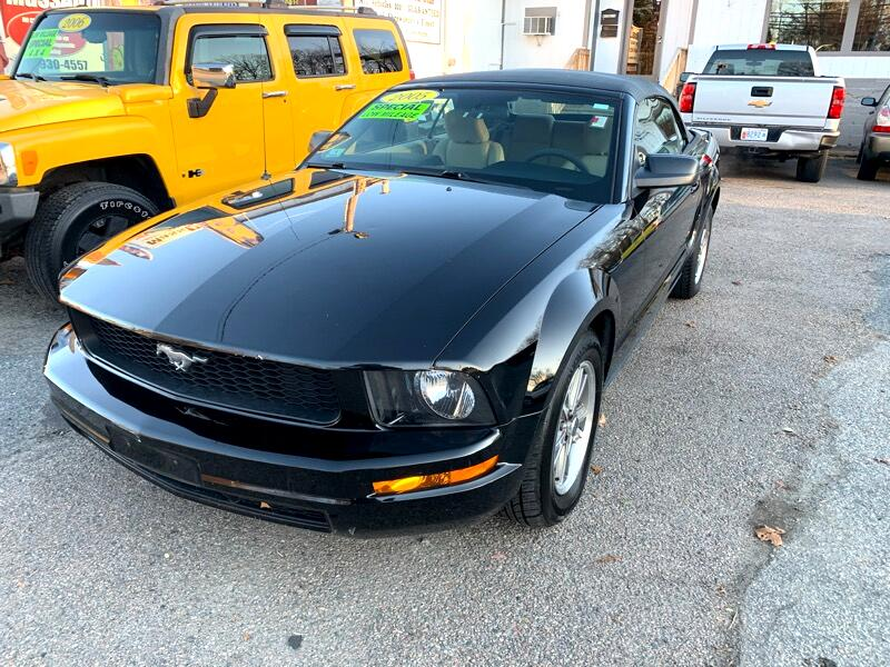Ford Mustang V6 Deluxe Convertible 2005