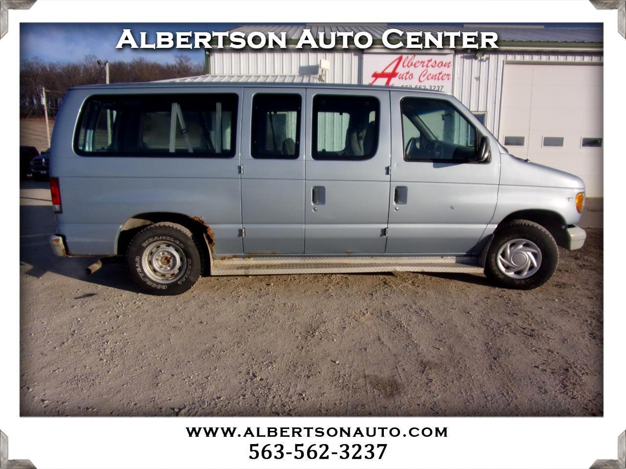 Ford Econoline Wagon E-150 XL 2000