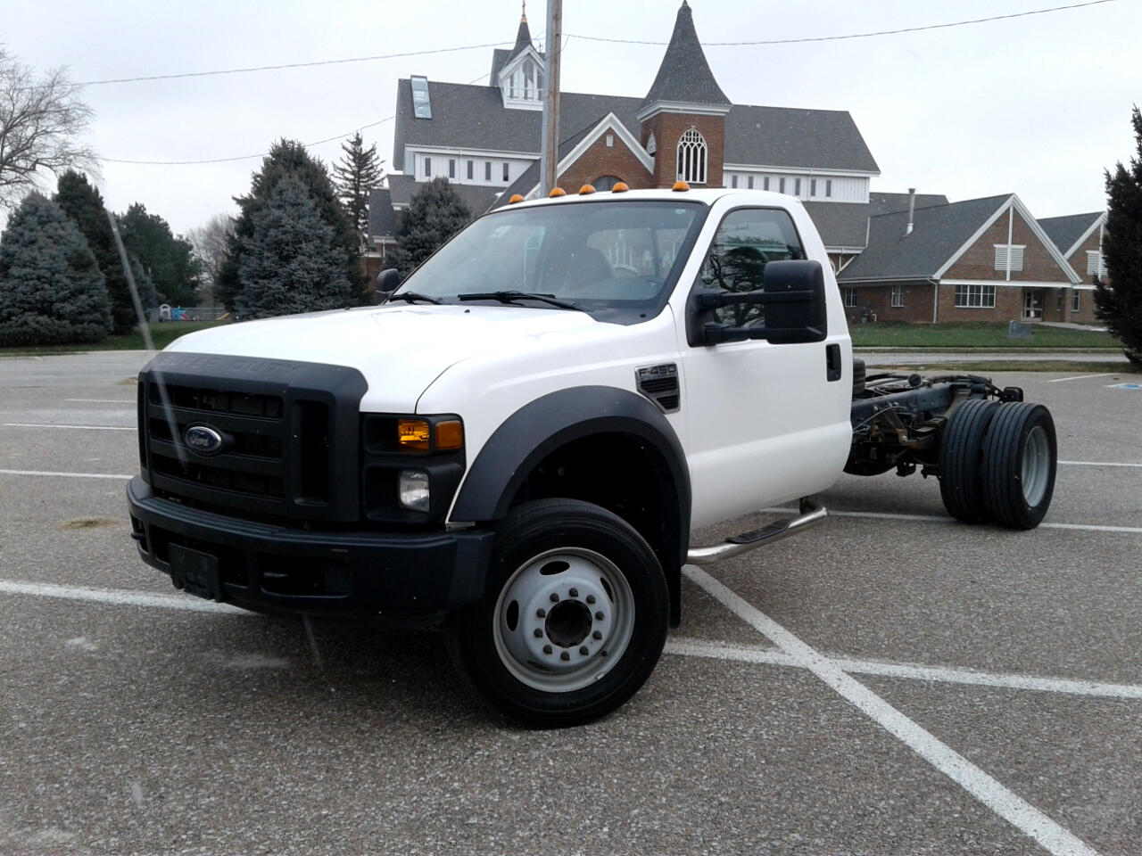 "2008 Ford Super Duty F-450 DRW 2WD Reg Cab 165"" WB 84"" CA XL"