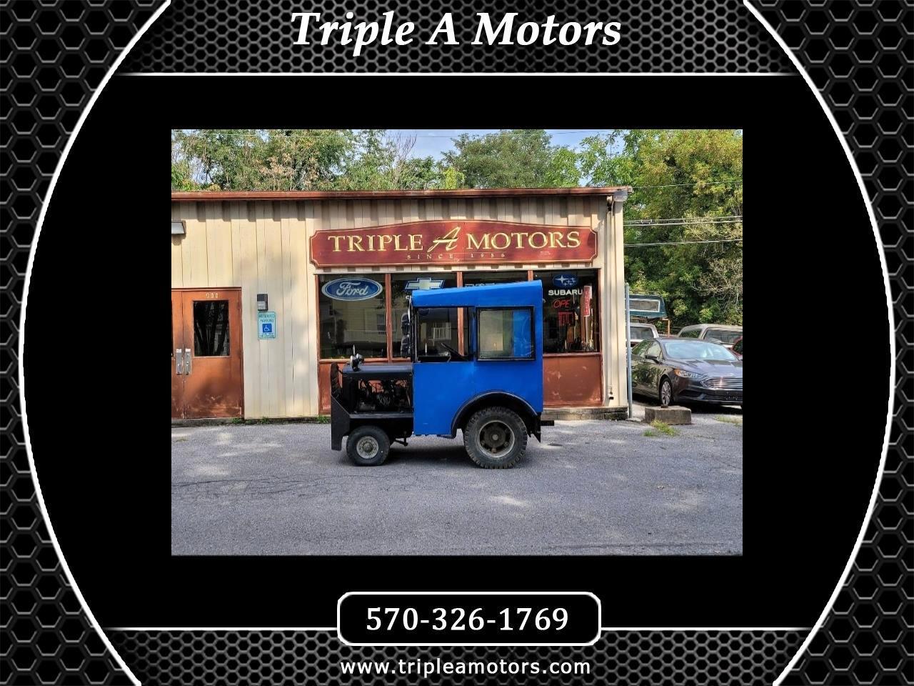 Clark Pneumatic Tire Forklift  1977