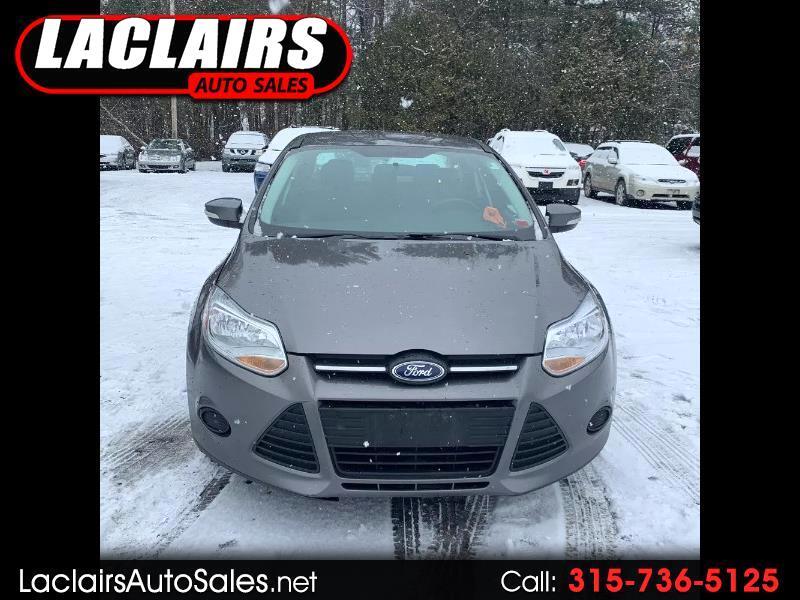 Ford Focus SE Sedan 2014