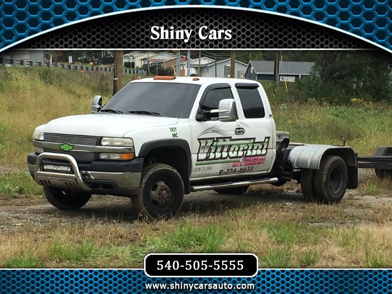 2001 Chevrolet Silverado 3500 Ext. Cab 4WD