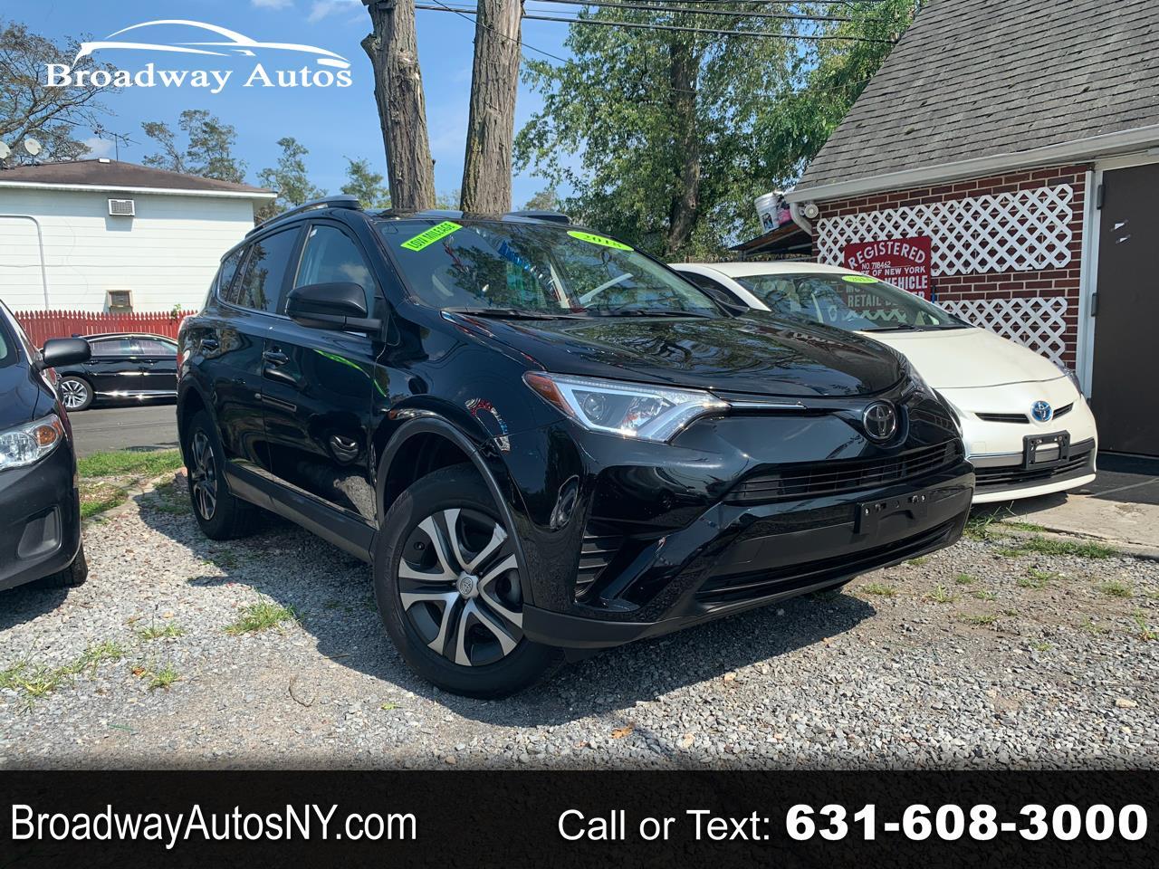 Toyota RAV4 LE AWD (Natl) 2018
