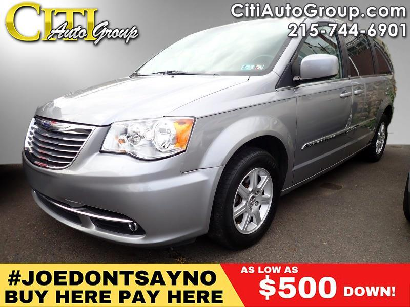 2013 Chrysler Town & Country Touring 4dr Mini-Van