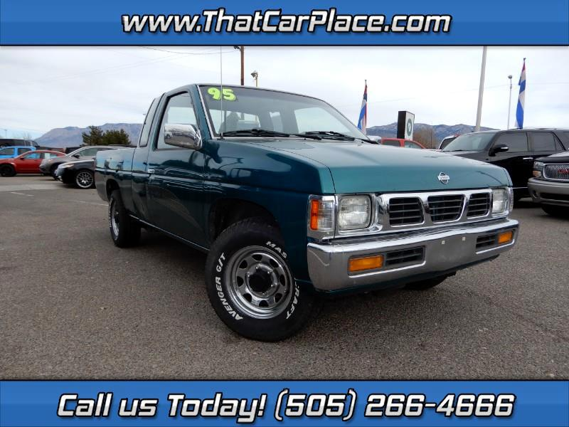 1995 Nissan Pickup XE King Cab 2WD
