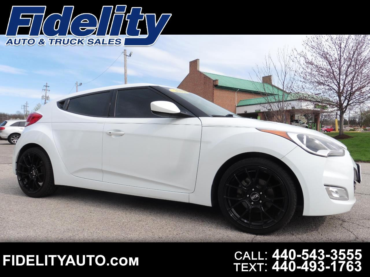 Hyundai Veloster 3dr Cpe Auto w/Red Int 2012