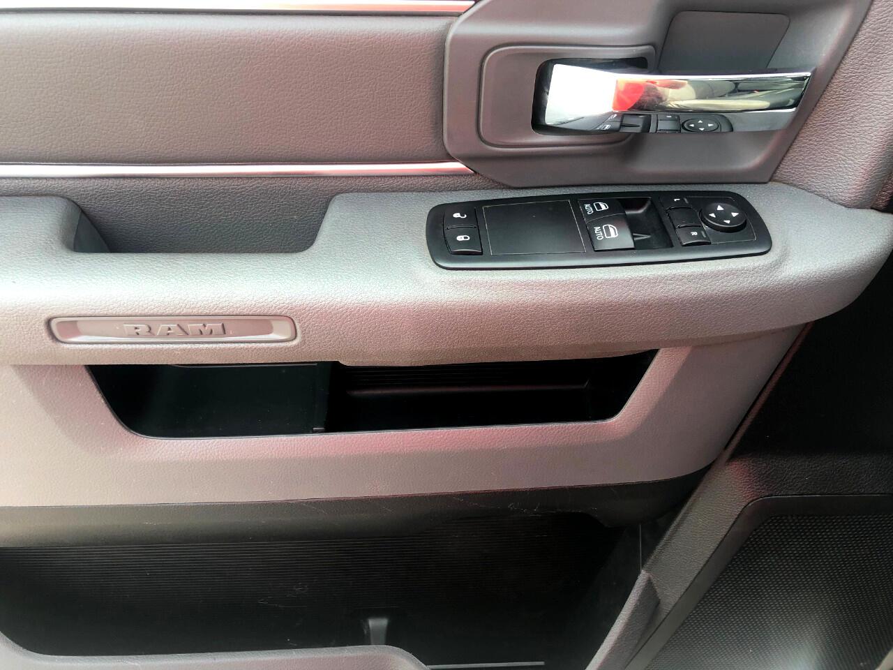 2014 RAM 1500 4WD Reg. Cab Express