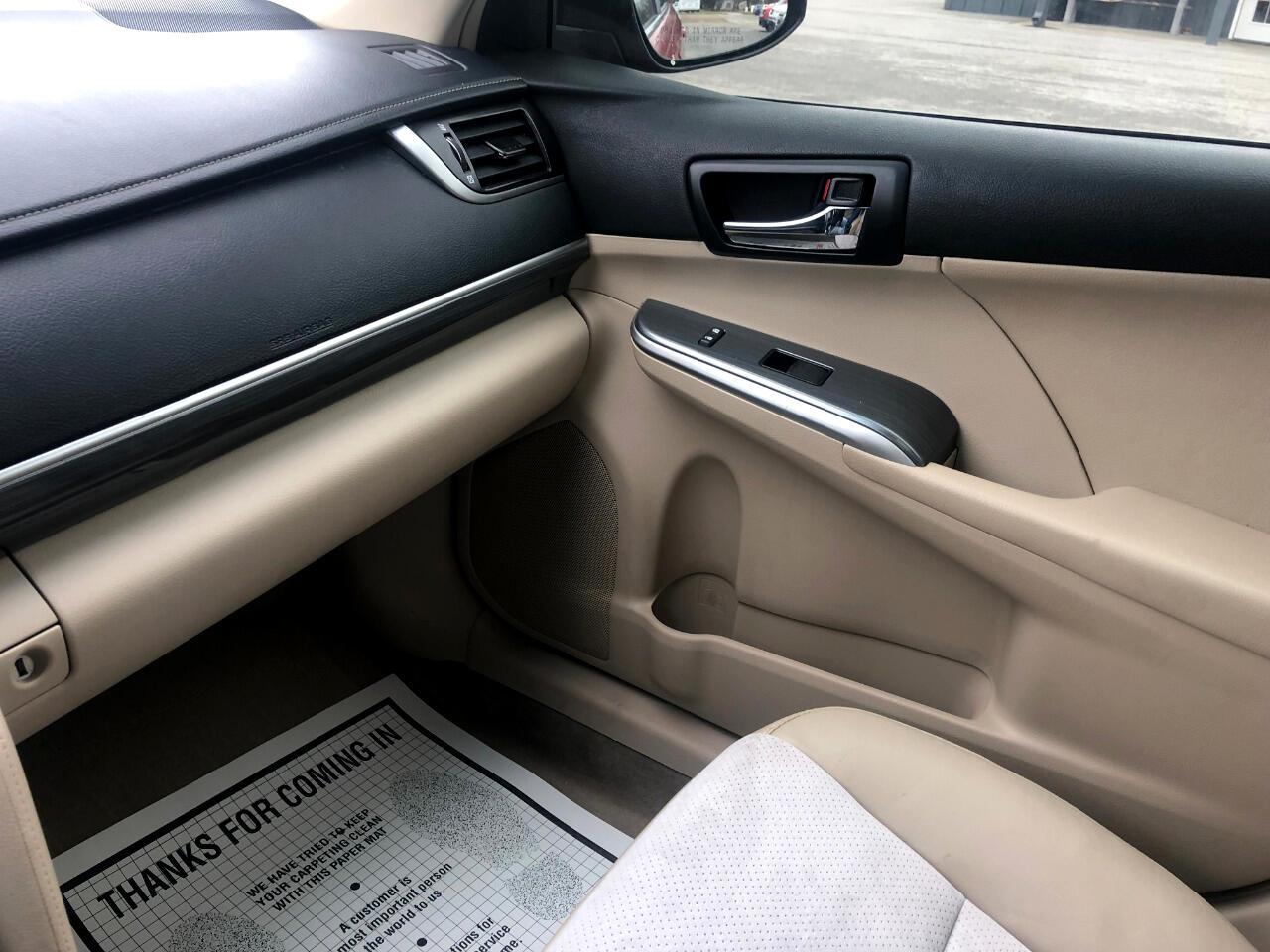 2012 Toyota Camry Hybrid XLE Sedan