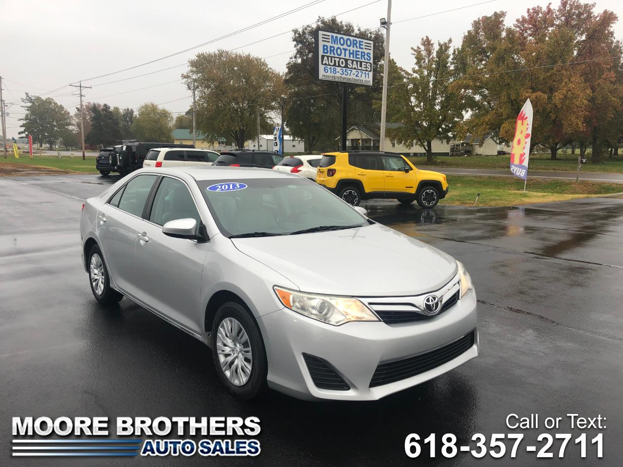Toyota Camry 4dr Sdn I4 Auto LE (Natl) 2013