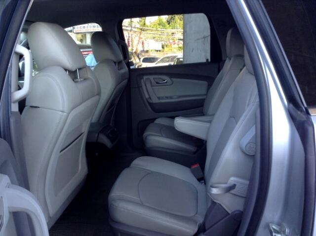 2011 Chevrolet Traverse 2LT AWD - 7 Passenger