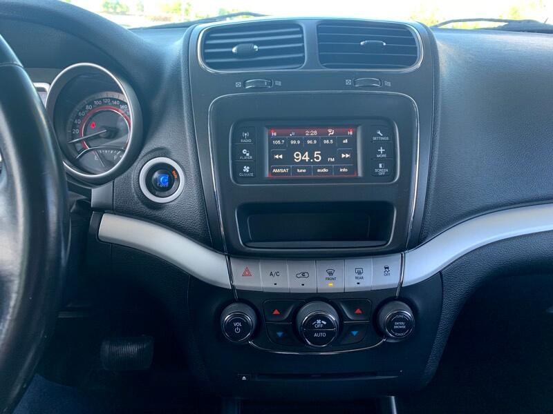 2011 Dodge Journey R/T AWD - 7 Passenger