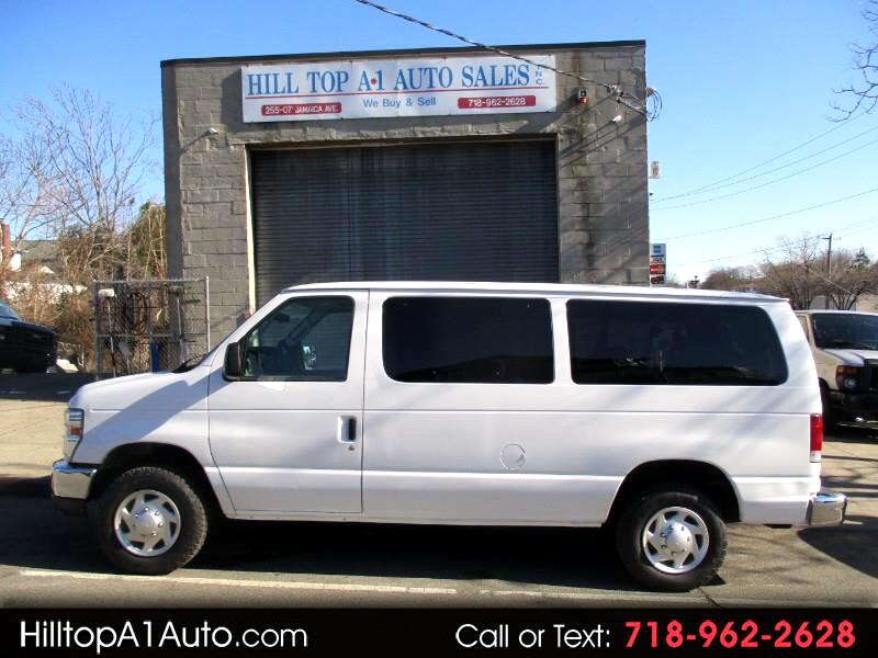 Ford Econoline Wagon E-350 Super Duty XLT 2011