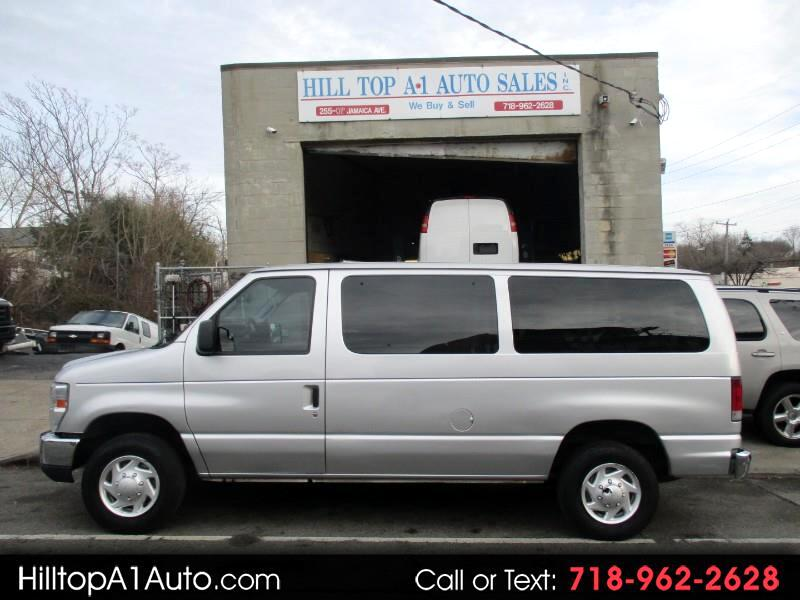 Ford Econoline Wagon E-350 Super Duty XLT 2012