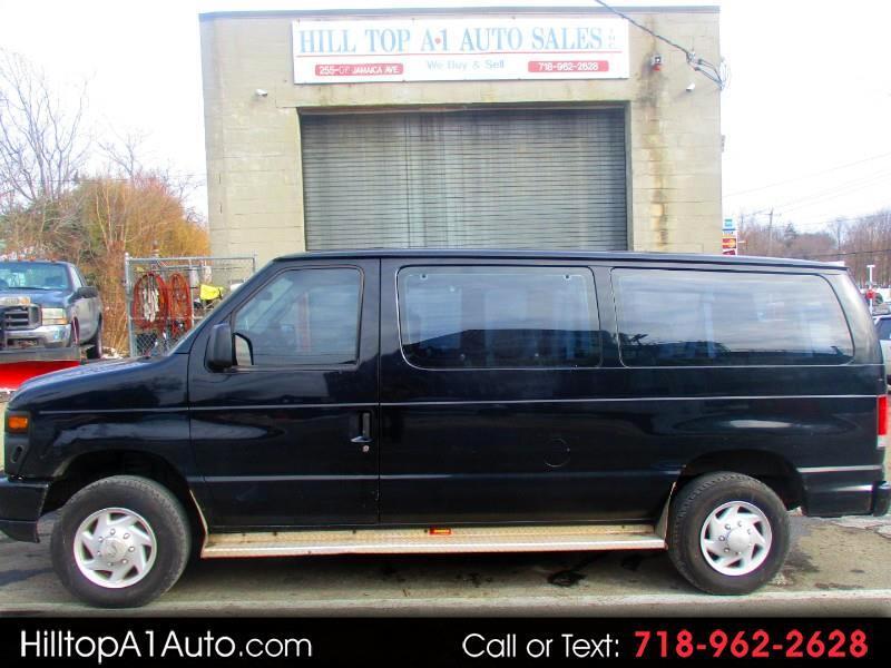 Ford Econoline Wagon E-350 Super Duty XLT 2008