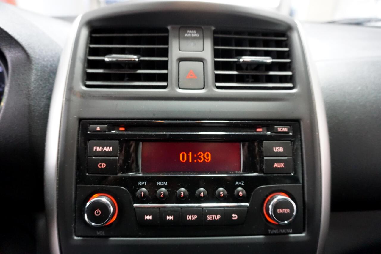 2015 Nissan Versa 1.6 SV Sedan