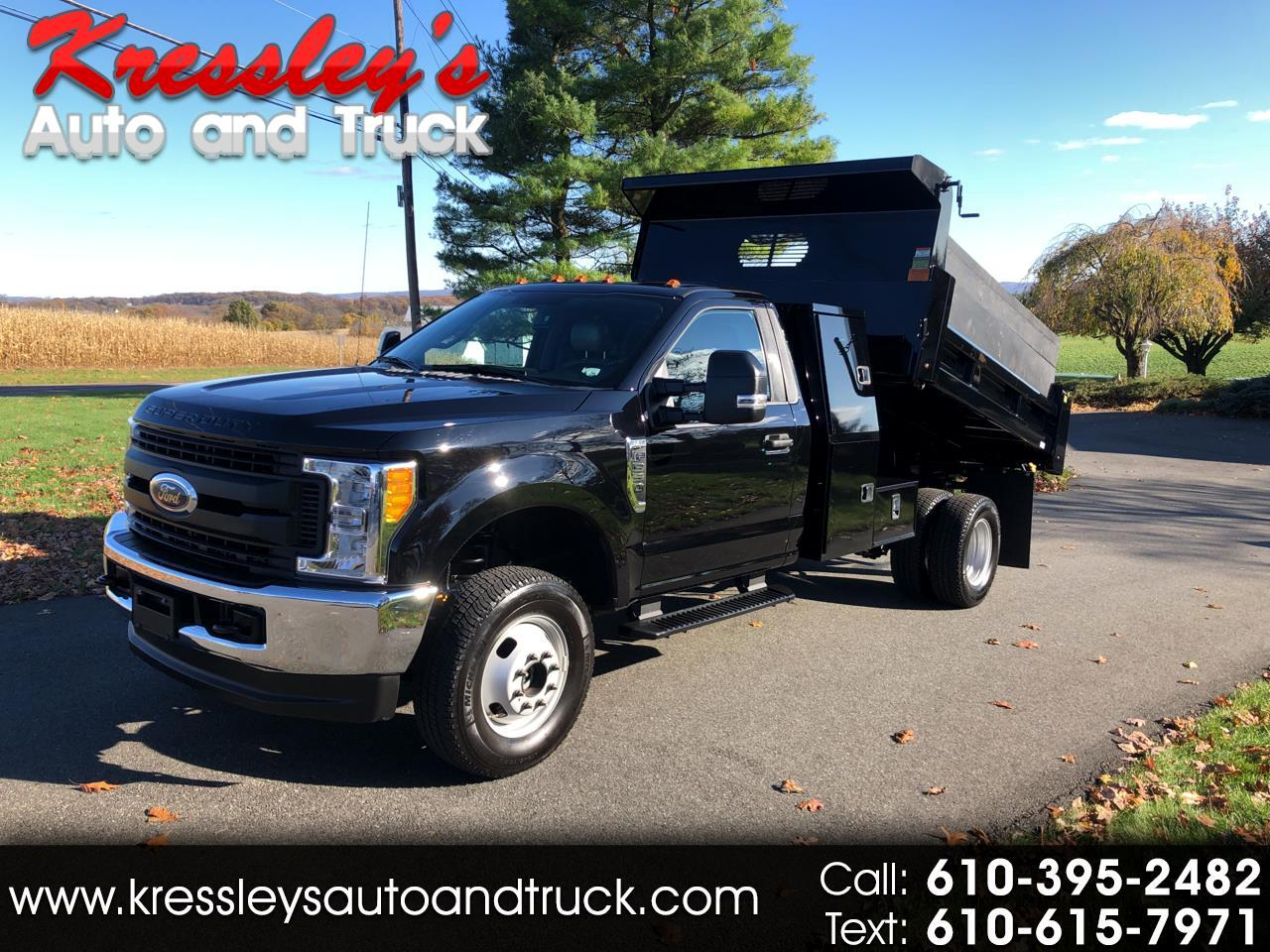 "Ford Super Duty F-350 DRW XL 4WD Reg Cab 169"" WB 84"" CA 2017"